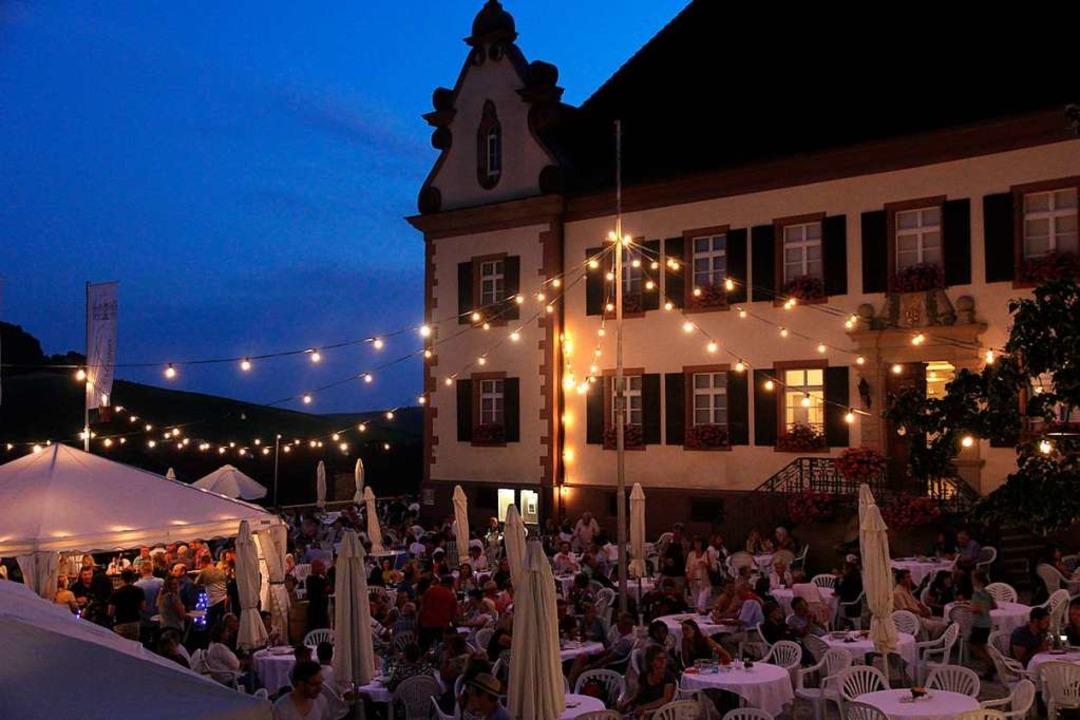 Das Wein- und Sektfestival in Ebringen findet rund um den Schlosshof statt.  | Foto: Frowalt Janzer