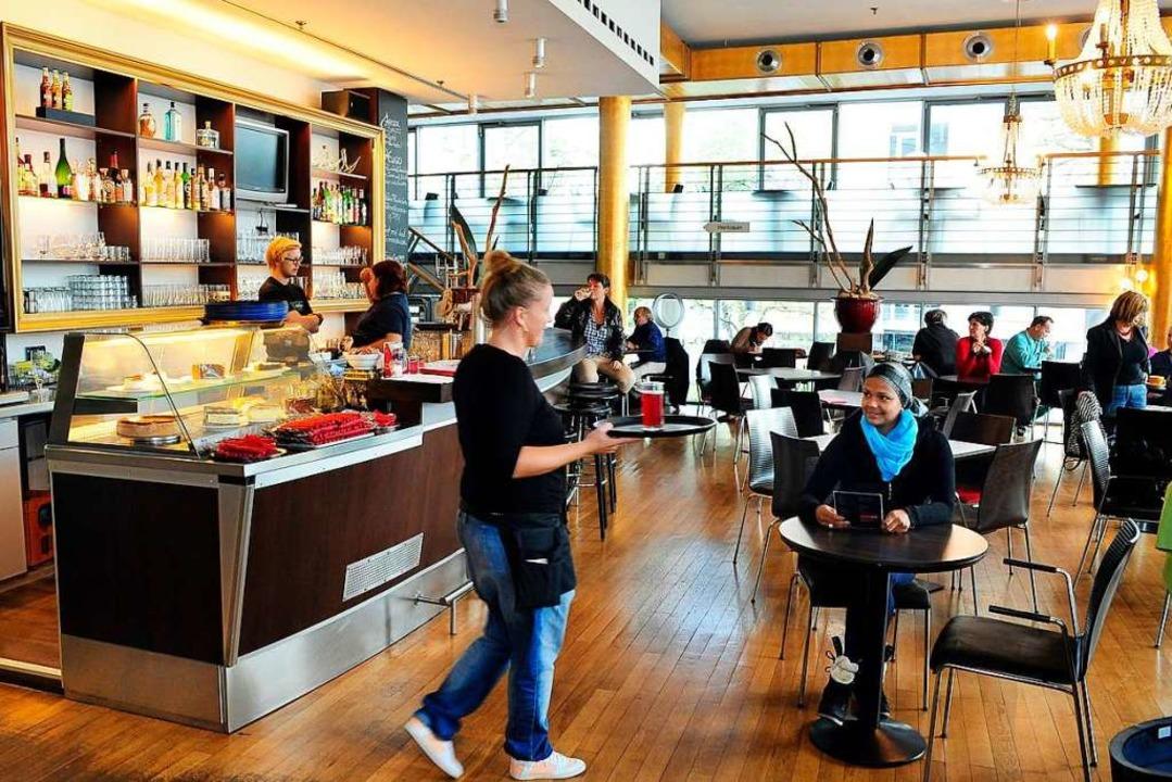 Im Theatercafé soll es weiter  Mittagstisch geben und einen Barbereich.  | Foto: Thomas Kunz