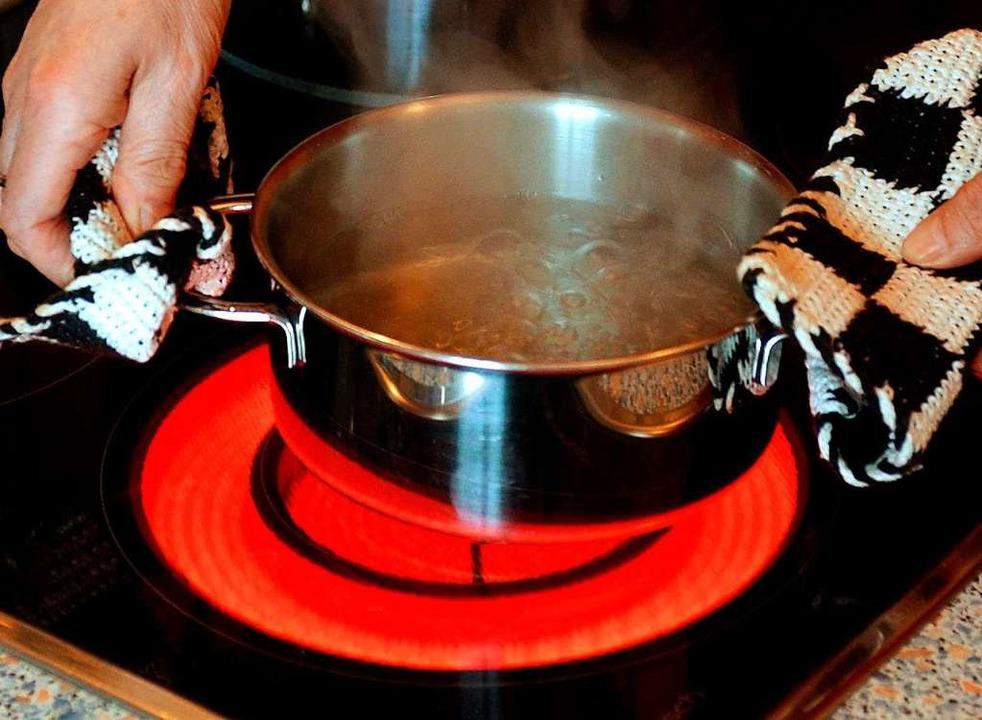 Bis auf Weiteres muss  das Wasser aus ...g von Lebensmitteln  abgekocht werden.  | Foto: Patrick Pleul