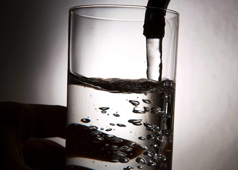 Im schlimmsten Fall, sagt Wassermeiste...schwachen Immunsystem passieren könne.  | Foto: Lukas Schulze