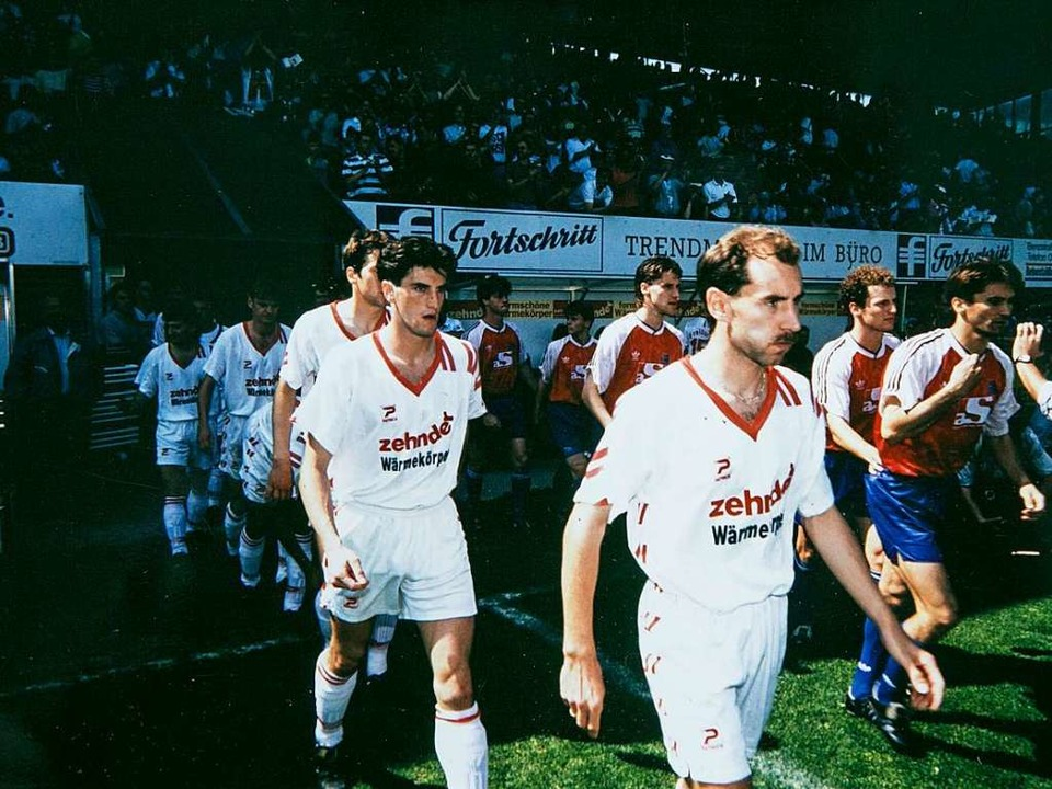 Oktober 1995: 0:0-Unentschieden endet ...ng. Er traf drei Mal gegen Düsseldorf.  | Foto: Albert Josef Schmidt