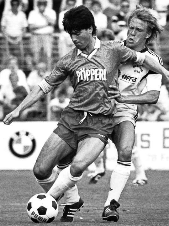 November 1988: Bei der höchsten Nieder...rlage des Sportclubs gegen Düsseldorf.  | Foto: Rolf Haid