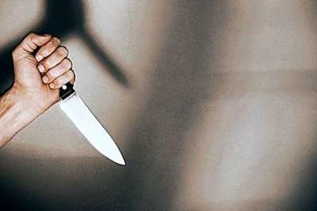 Mann bedroht in Müllheim Bauarbeiter mit einem Messer
