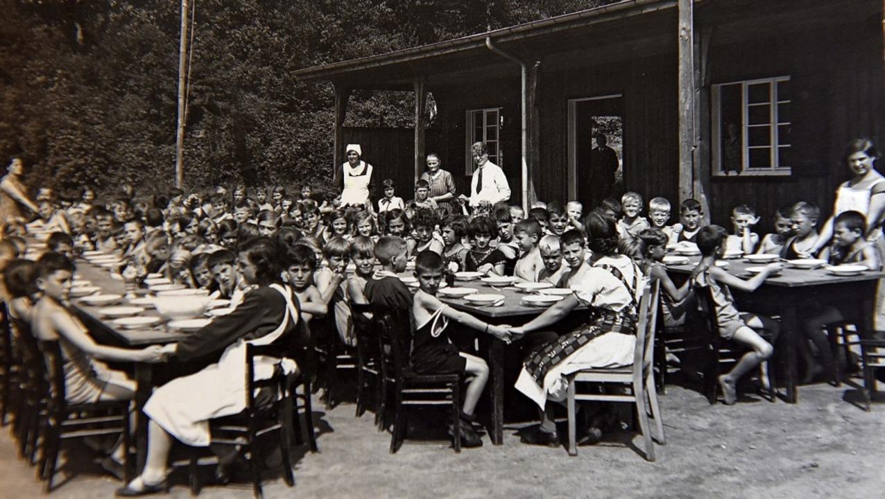 Stadtranderholung der Freiburger AWO: Das Bild entstand vermutlich 1932.  | Foto: Rita Eggstein