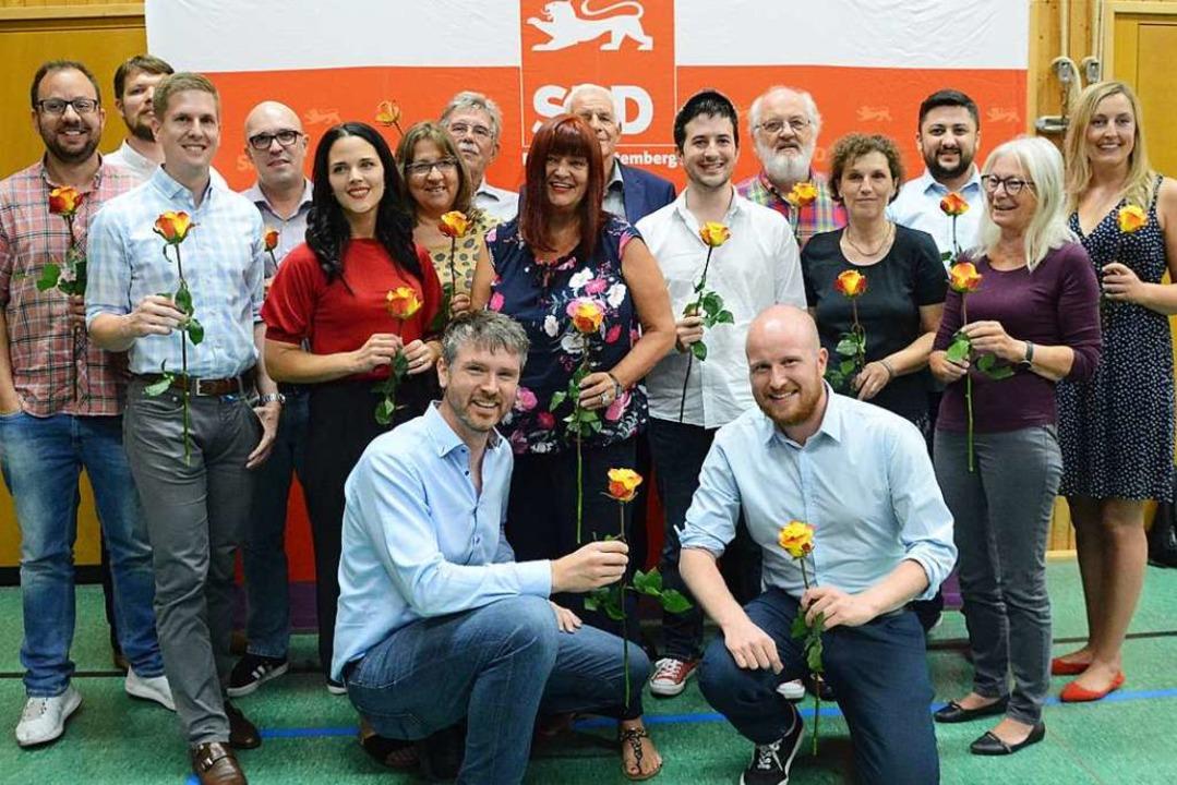 Der neue  SPD-Kreisvorstand mit dem Vo...ertreter Jonas Hoffmann (vorne links).    Foto: Annette Mahro