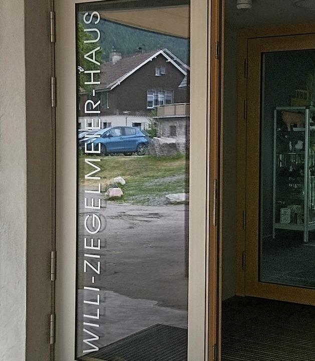 Die ehemalige Wirtschaftsschule heißt ...d Mitglieder der Familie Ziegelmeier.   | Foto: Sebastian Barthmes