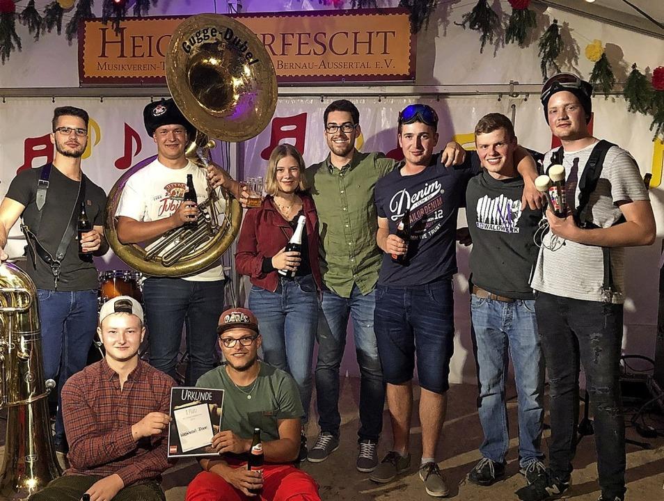 Die Gruppe Wächtenkessel Blaari haben den musikalischen Wettstreit gewonnen.   | Foto: Ulrike Spiegelhalter