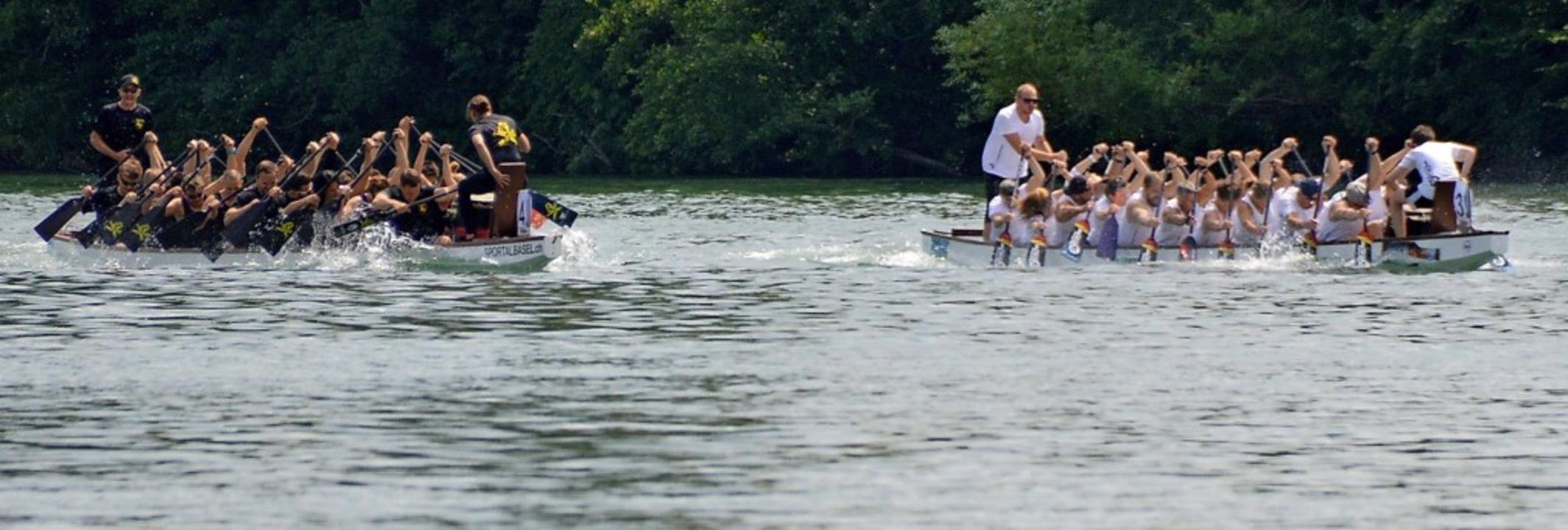 Spannende Drachenbootrennen gab es bei...stromtagen in Schwörstadt zu erleben.   | Foto: Horatio Gollin
