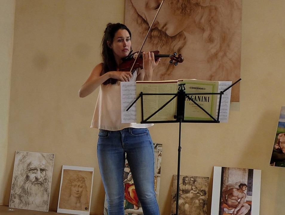 Julia Weeda wagte sich an eine Paganini-Komposition.   | Foto: Anne-Kristin Freyer