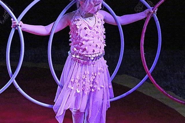 Ein Zirkuszelt wird zum Klassenzimmer