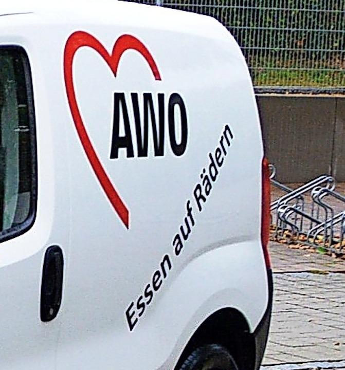 Essen auf Rädern wird in Schopfheim  k...g von der Sozialstation ausgeliefert.   | Foto: Edgar Steinfelder