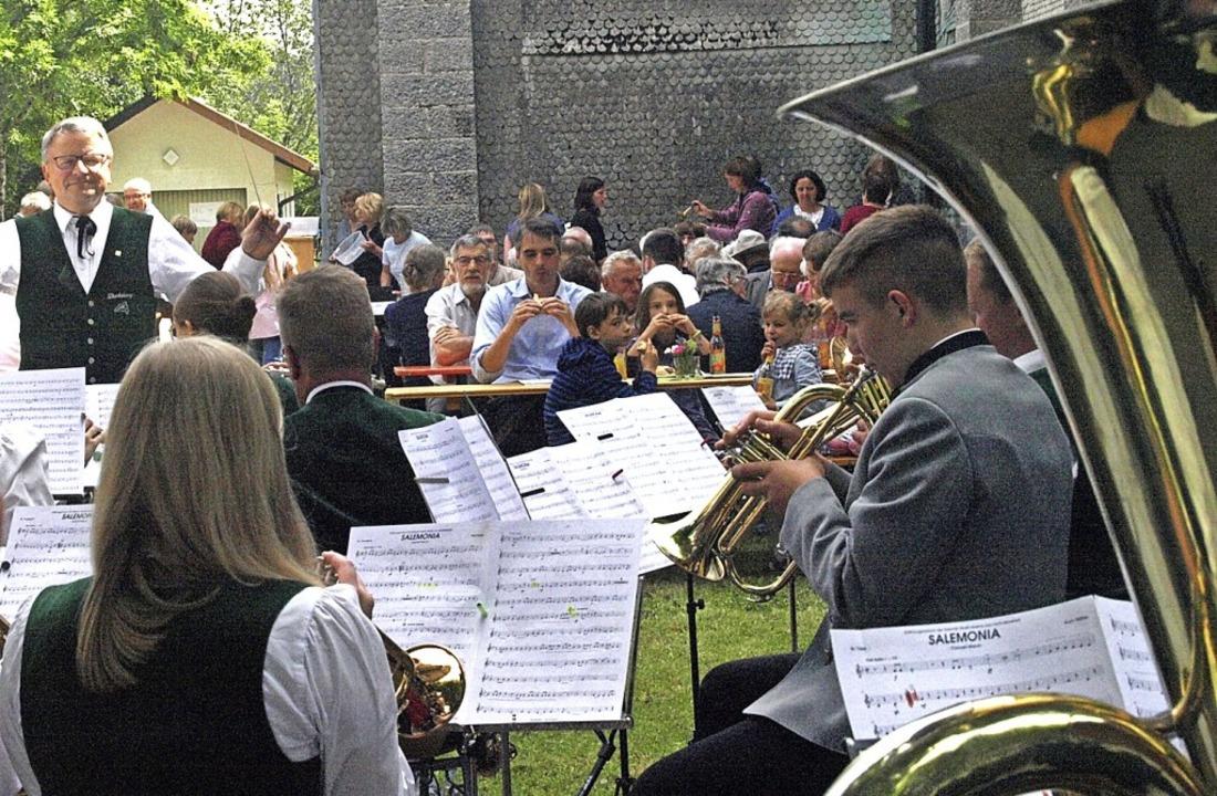Das von der Tachtenkapelle Dachsberg m...e im Jahr ihres 100-jährigen Jubiläums  | Foto: Karin Stöckl-Steinebrunner