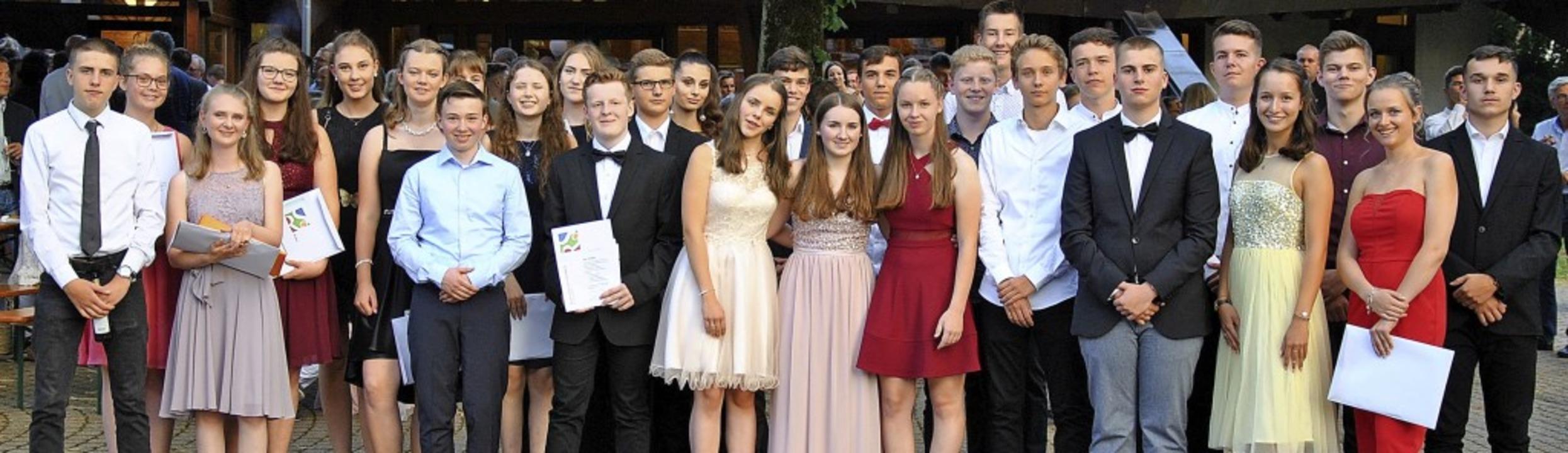 31 Preise gab es an die Schüler der vier Abschlussklassen zu verteilen.   | Foto: Ralph Fautz