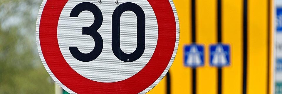 Tempo-30-Zonen sorgen für Blitzlichtgewitter am Schlossbergring