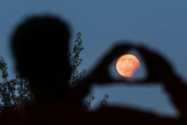 In Südbaden nur trübe Sicht auf die Mondfinsternis