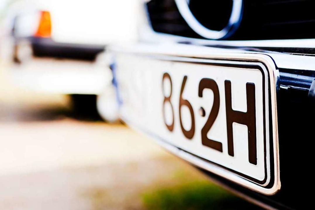 Viele Oldtimer haben ein H im Kennzeichen – für historisch.    Foto: Monique Wüstenhagen (dpa)