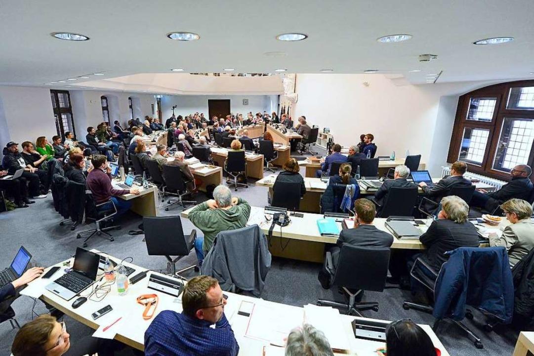 Wie stimmt welcher Gemeinderat im Frei...ebsite der Stadt Freiburg nachschauen.  | Foto: Ingo Schneider