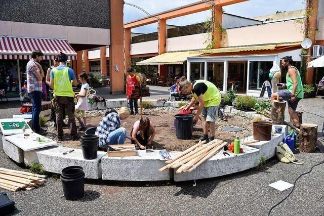 Anwohner gestalten bei Stadtteilprojekt in Landwasser Brunnen um
