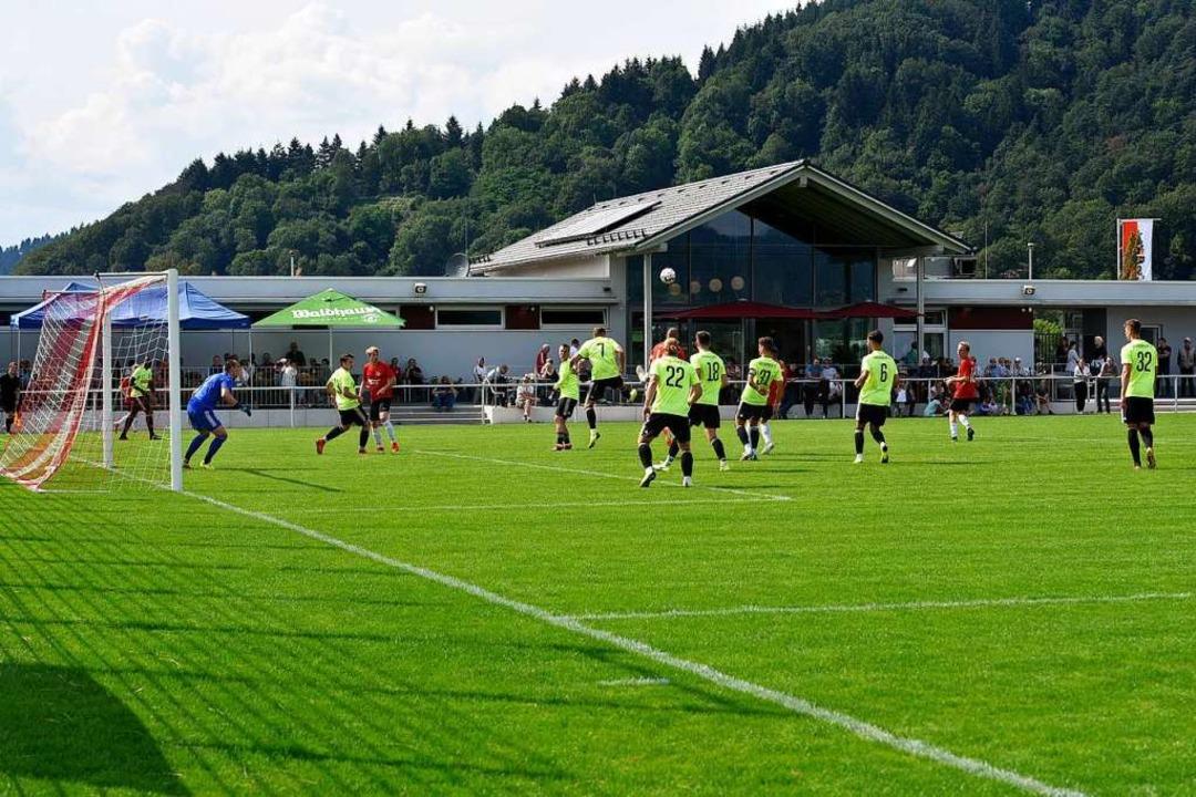 Packende Spielszenen gab es reichlich ...:2 für den Oberliga-Aufsteiger endete.  | Foto: Thomas Kunz
