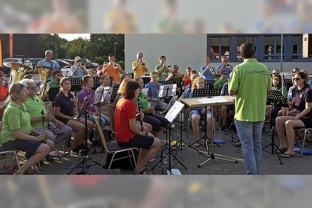 Stadtkapelle dankt mit einem Sommerabendkonzert