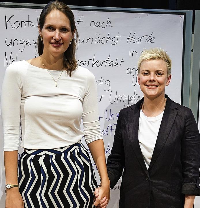 Constanze Wehner (links) und Uta Lambertz Hand in Hand    Foto: Ansgar Taschinski