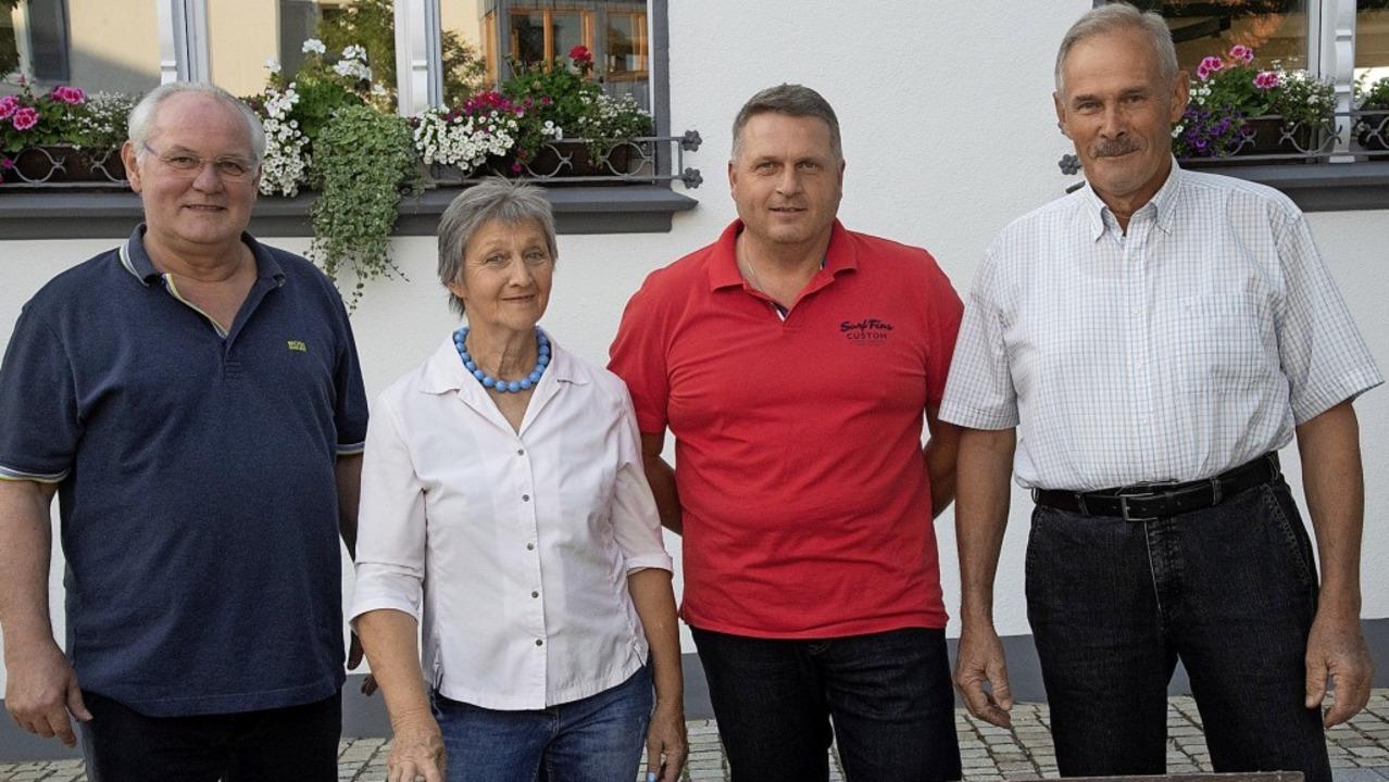 Verabschiedet wurden (von links): Volk...mehr zur Gemeinderatswahl angetreten.   | Foto: Volker Münch