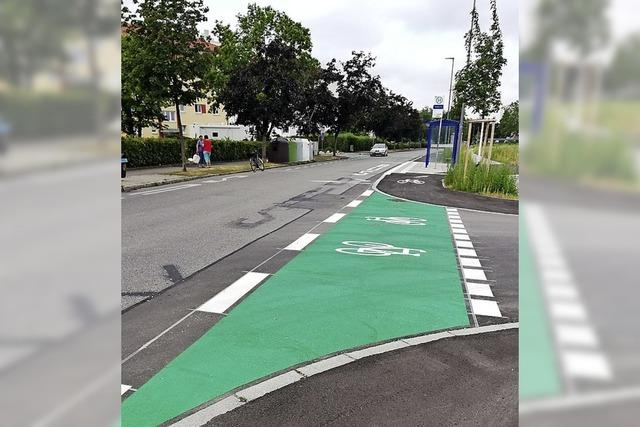Neuer Radweg und breiterer Schutzstreifen
