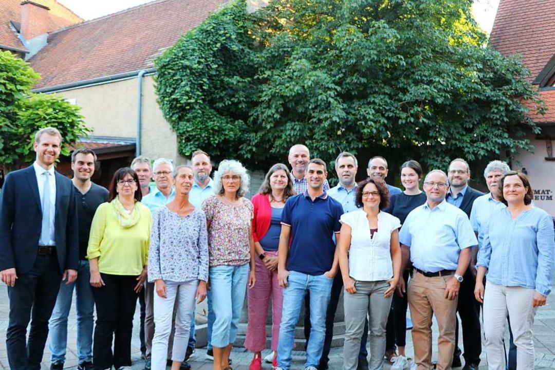 Bürgermeister Benedikt Eckerle (links)...inger Gemeinderats  in ihrem Ehrenamt.    Foto: Claudia Müller