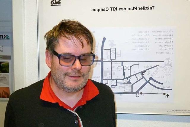 Der blinde Autor und Astronom Jaworek spricht über Radiowellen im All und Inklusion