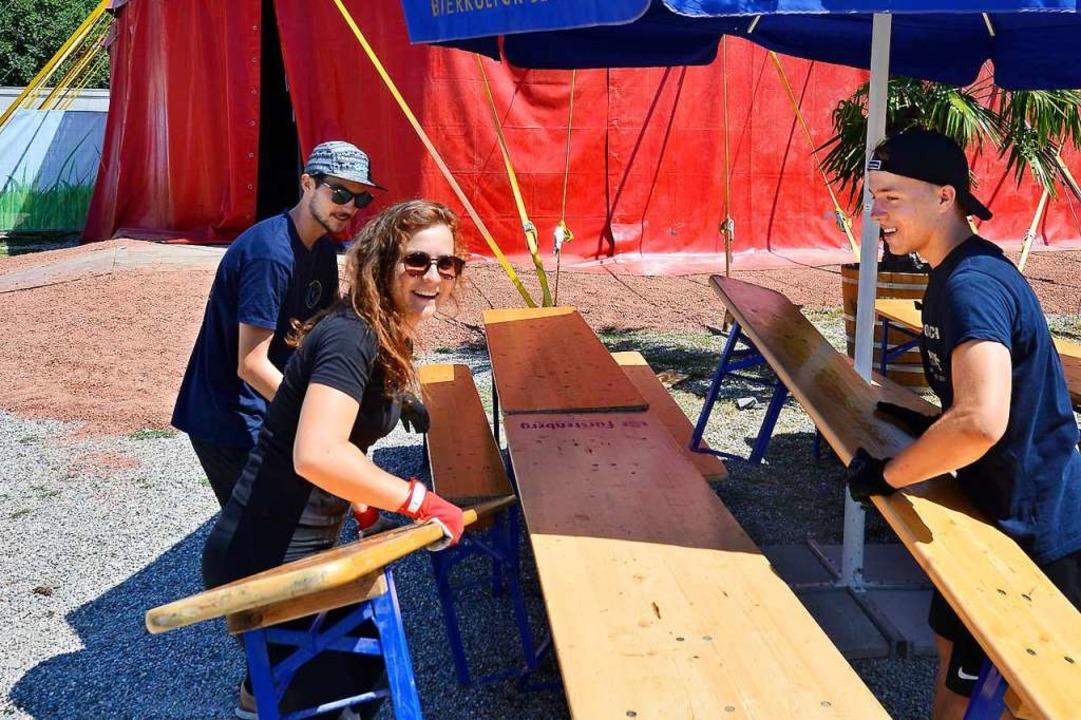 Die Zelte für das Festival stehen läng...uhlung wird noch letzte Hand angelegt.  | Foto: Michael Bamberger