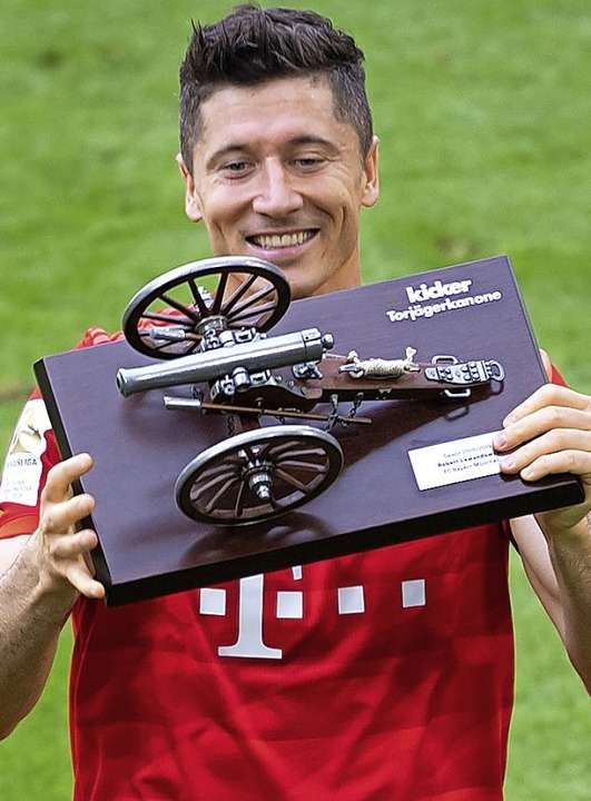 Verlängert Torschützenkönig  Robert Lewandowski  seinen Vertrag noch einmal?    | Foto: Sven Hoppe (dpa)