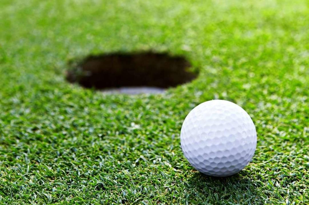 Der Golfball traf das Mädchen am Kopf.  | Foto: AboutLife - stock.adobe.com