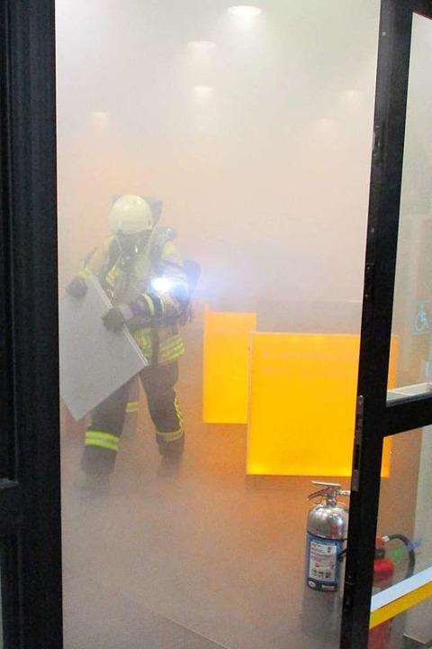 Feuerwehr bei den Löscharbeiten  | Foto: Privat