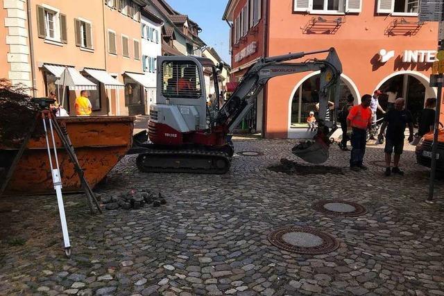 Vorboten der weiteren Kanalsanierung in Staufens Altstadt