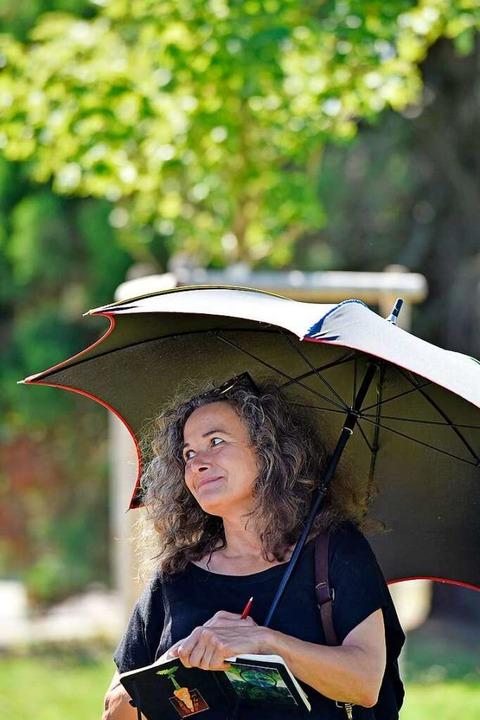 Hilfreich für eine Teilnehmerin: ein Sonnenschirm  | Foto: Michael Bamberger