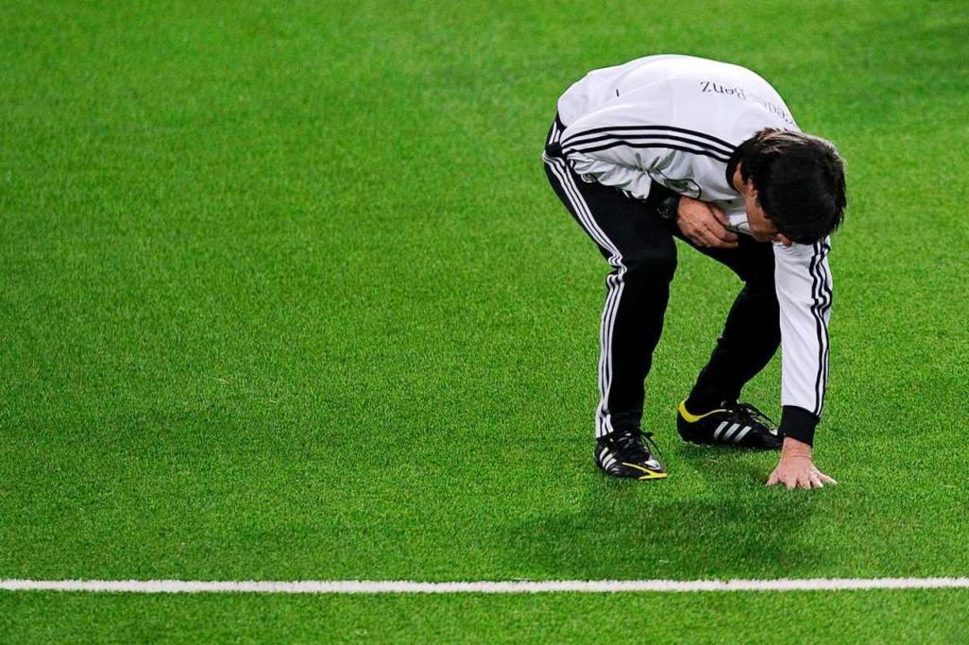 Bundestrainer Joachim Löw fasst bei ei...nft nicht mehr gefördert. (Archivbild)  | Foto: Fredrik von Erichsen