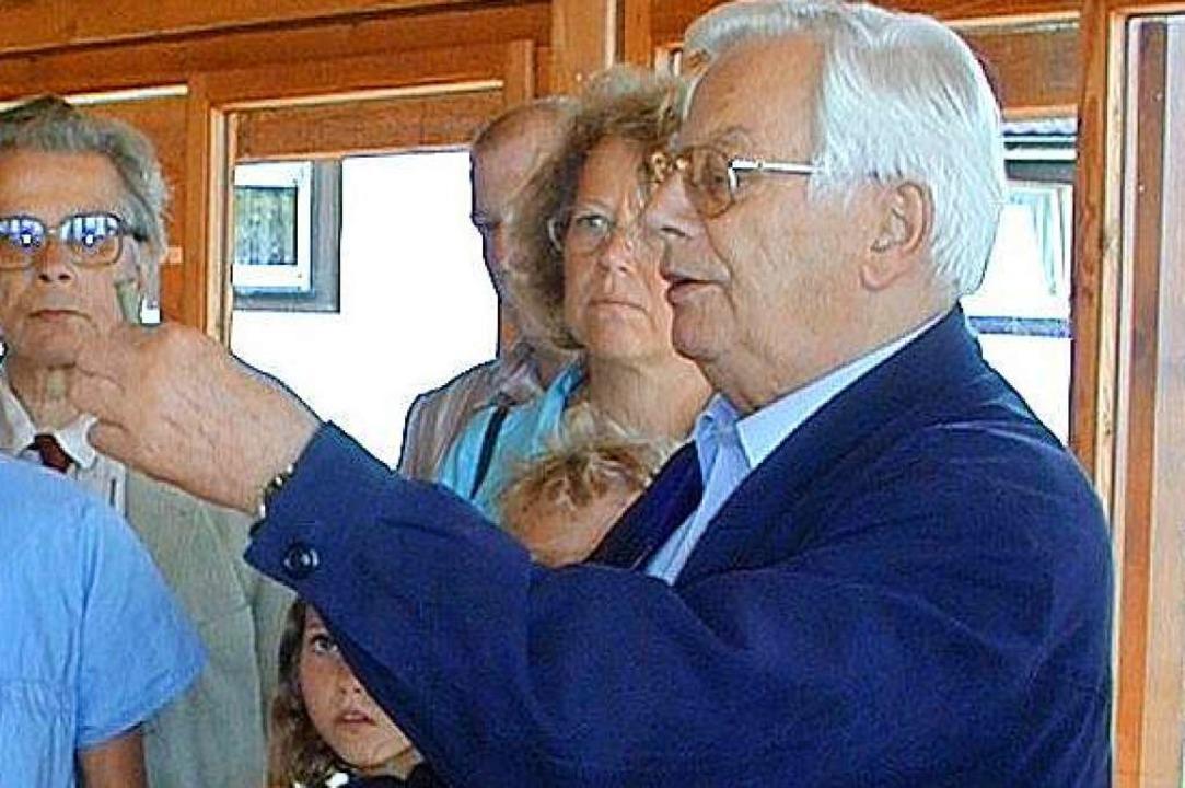 Hier war er in seinem Element: Erhard ...fenen Denkmals am 16. September 2004.   | Foto: Weber-Kroker