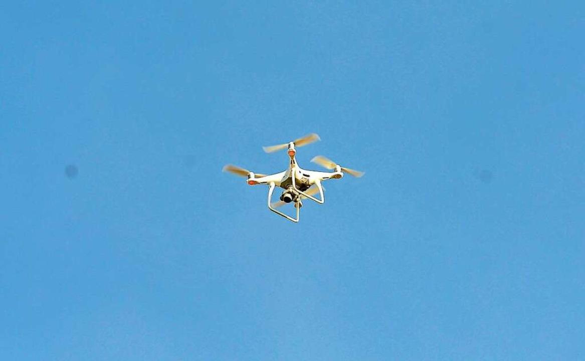 Die Polizei setzte eine Drohne ein.  | Foto: Ingo Schneider