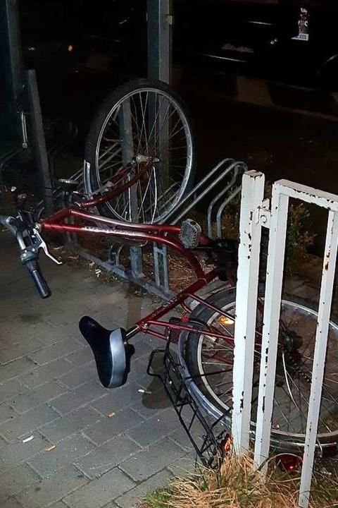 Eines der beschädigten Räder  | Foto: Polizei