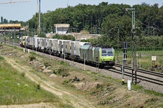 DB lädt zum Dialog zur Rheintalbahn – und die Positionen sind konträr