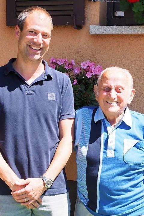 Timo Löffler, Vorsitzender des SV, und Max Ganter, Vorsitzender von 1973 bis 78  | Foto: Jutta Geiger