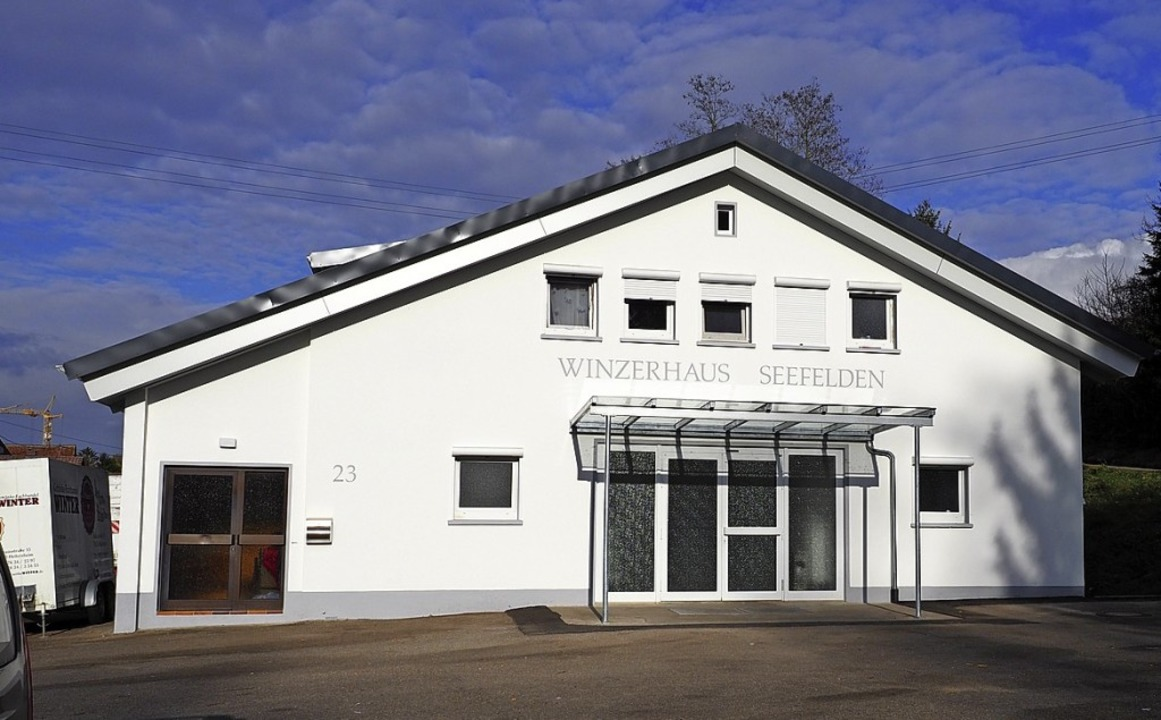 Die Winzerhalle in Seefelden gehört der Weinbaugenossenschaft des Ortes.   | Foto: Jutta Geiger