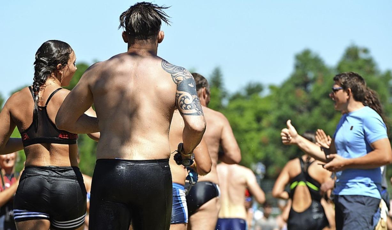 Am Sonntag gehört der Flückiger See den Triathleten.   | Foto: Lucas Roth