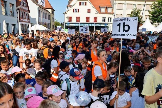 Knapp 3000 junge Menschen demonstrieren in Offenburg für den Klimaschutz