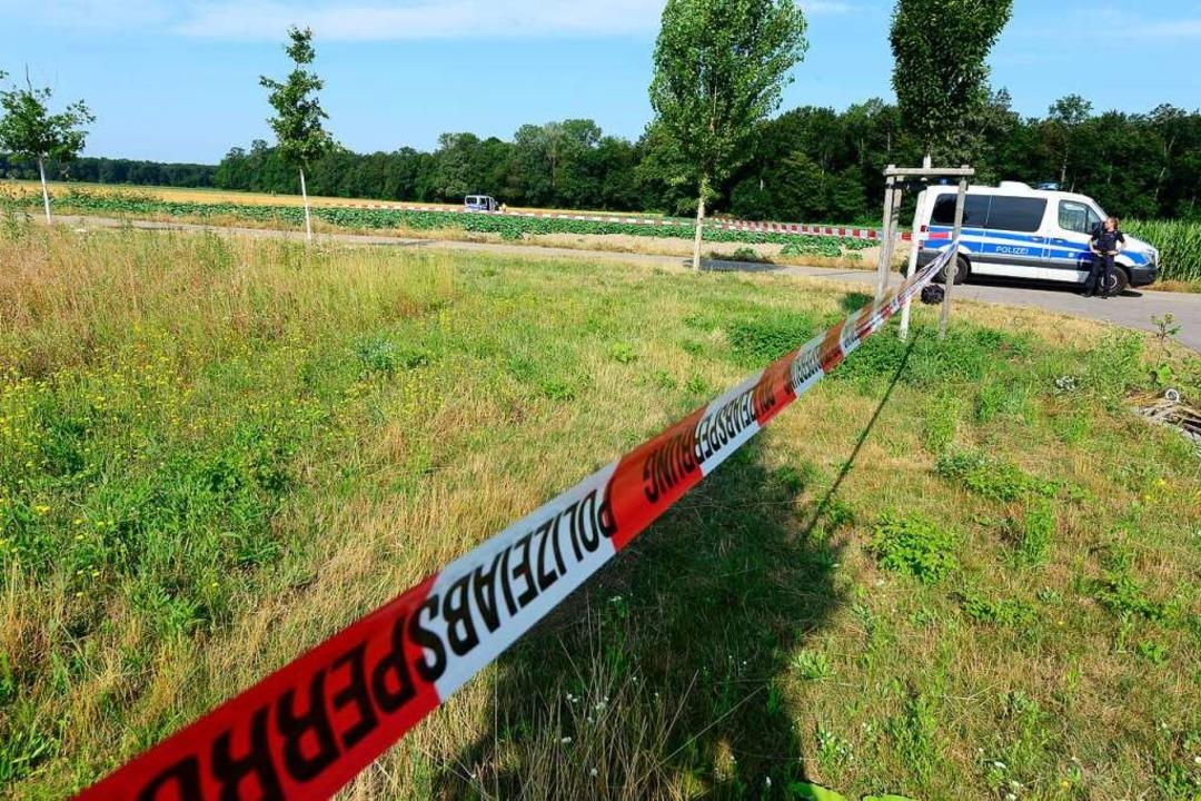 Rund um den Fundort der Leiche wurde das Gelände weiträumig abgesperrt.  | Foto: Ingo Schneider