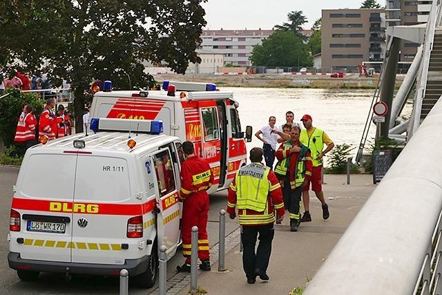 110-Meter-Schiff außer Kontrolle - Großeinsatz auch in Weil am Rhein