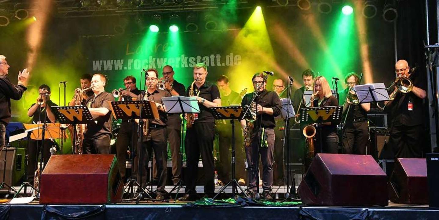 Die Big Band W tritt beim Lahrer  Stadtfest wieder auf dem Rathausplatz auf.  | Foto: Wolfgang Künstle