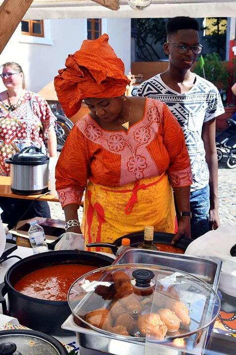 Lecker essen auf dem Marktplatz  | Foto: Wolfgang Künstle