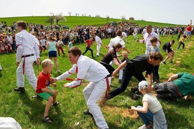 Das Eierspringen in Eichen bei Schopfheim ist ein uraltes Ritual