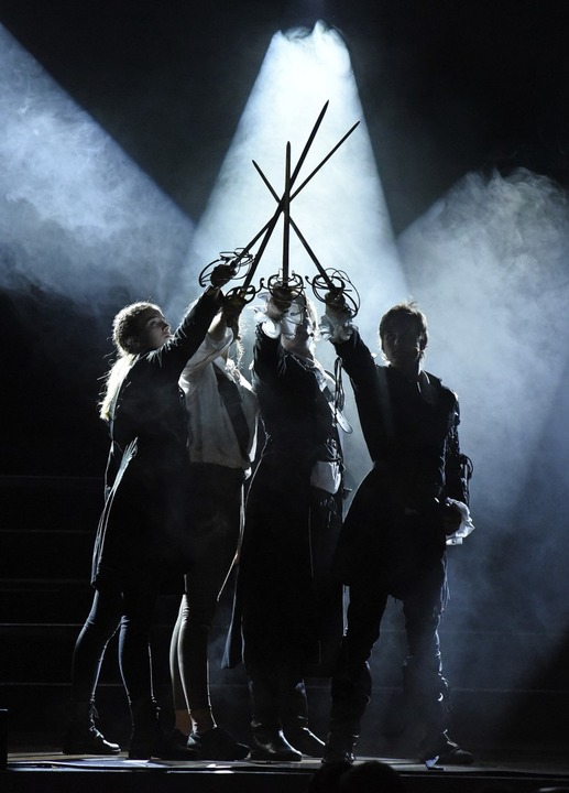Einer für alle – Alle für einen:...iligten  der Musical Company des LMG.   | Foto: Martin Eckert
